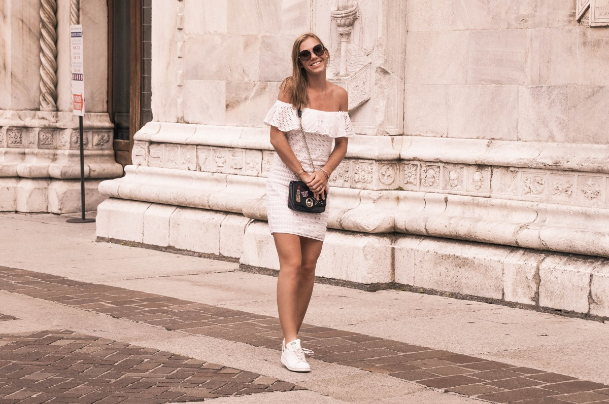 Sunglasses steal your outfit